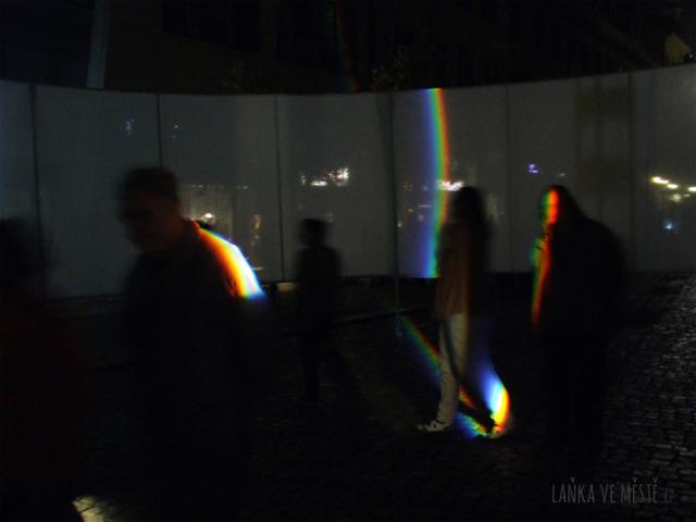 Richard Loskot,  Velké spektrum – světelná instalace na Ovocném trhu, Signal festival, Praha