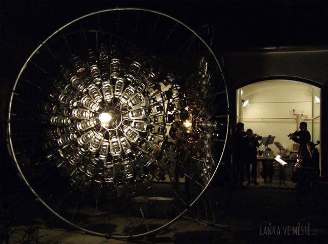 Jari Haanperä, Fyr Ligthouse – světelný objekt na nádvoří Galerie Hollar, Signal festival, Praha
