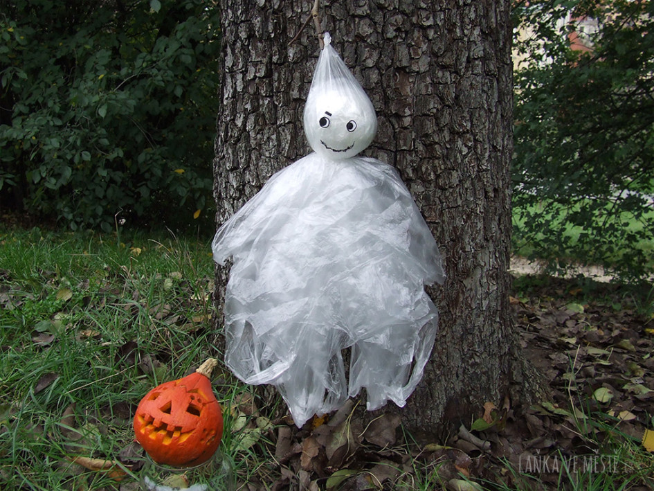 DIY Halloween strašidlo.