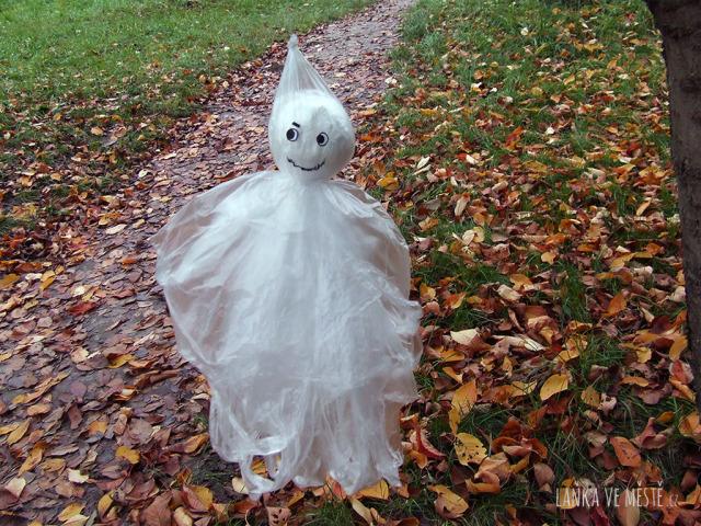 Podzimní procházka se strašidlem.