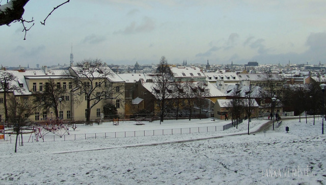 Pocukrovaná Praha z Petřína