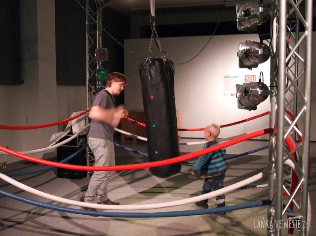 Boxovací pytel SoundSlam vám při správných úderech zahraje píseň z filmu Rocky
