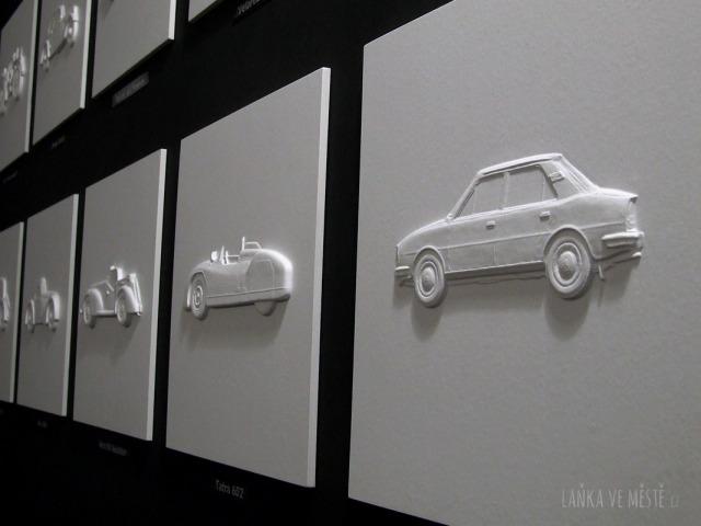 """Reliéfní ilustrace pro nevidomé z dílny Davida Linka, řada """"Naše automobily"""""""